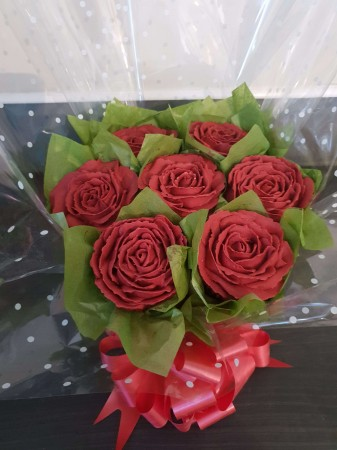 7 red Rose cupcake bouquet