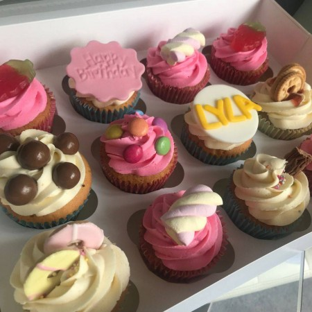 Sweet Treat Cupcake Box