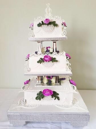 Traditional Style Wedding Cake