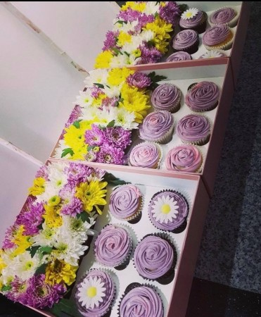 Mothers day Flowers and cakes