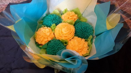 Small Eggless Cake bouquet