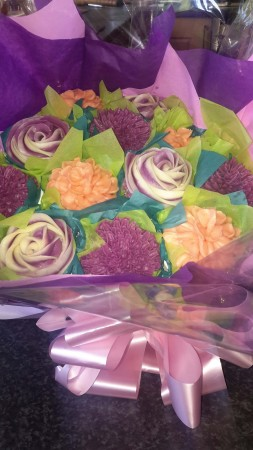 Eggless Cake bouquet- Blueberry, Rose + vanilla flavour