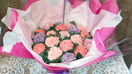 Pink Eggless Cake bouquet