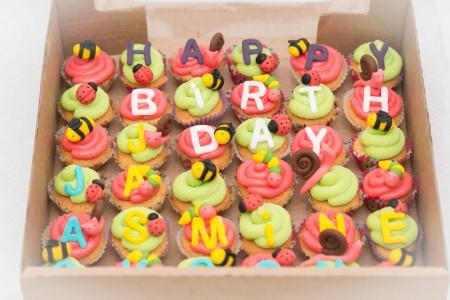 Mini Bugs Cupcake