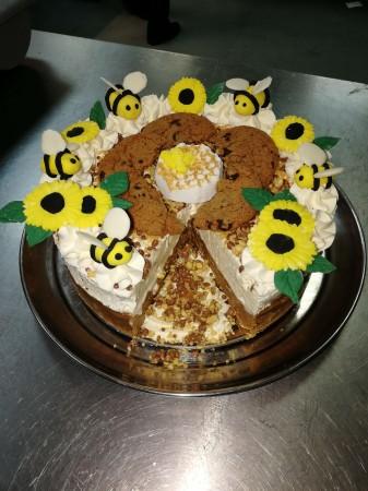 Cookie honeycomb cheesecake