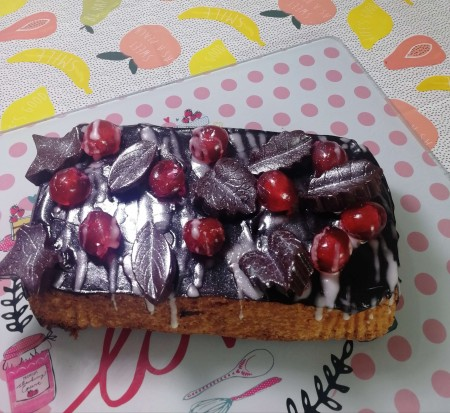 Chocolate chips and cherry loaf