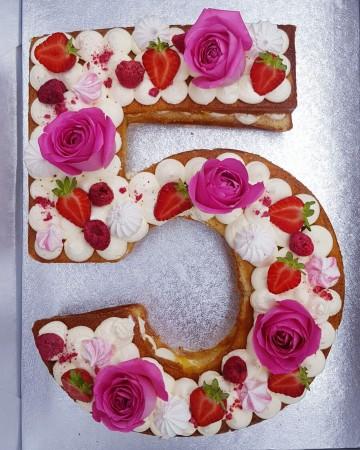 Number birthday cake (Vanilla)