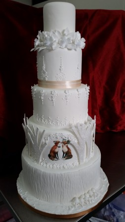 ref: 201228 Foxes Wedding Cake