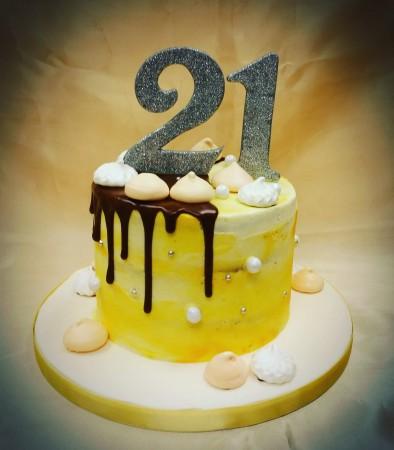 Ref: 193845 Drip Cake