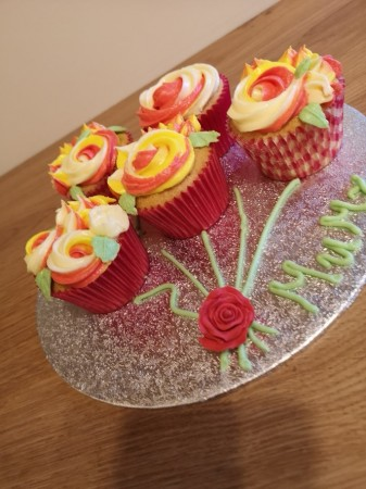 Mothers Day cupcake board