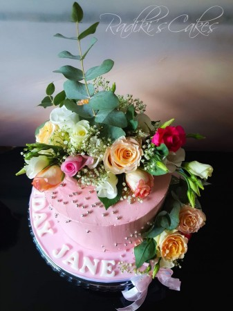 Victoria sponge buttercream cake