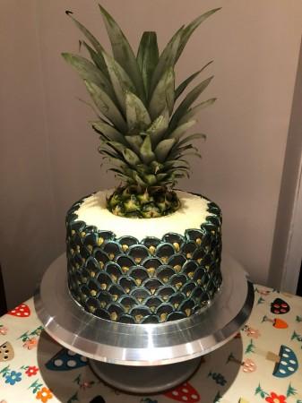Art deco coconut pineapple cake!