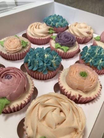 Mixed box of flower cupcakes