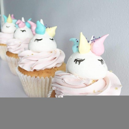 UNICORN MERINGUE CUPCAKES