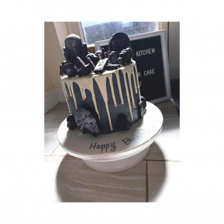 Themed drip cake