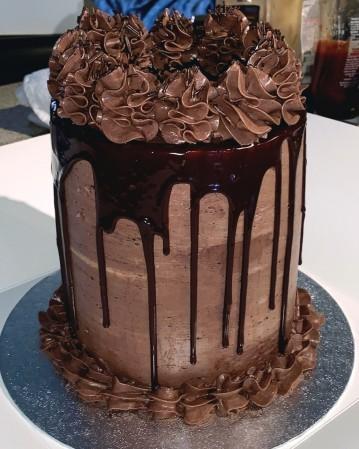 Simple drip cake