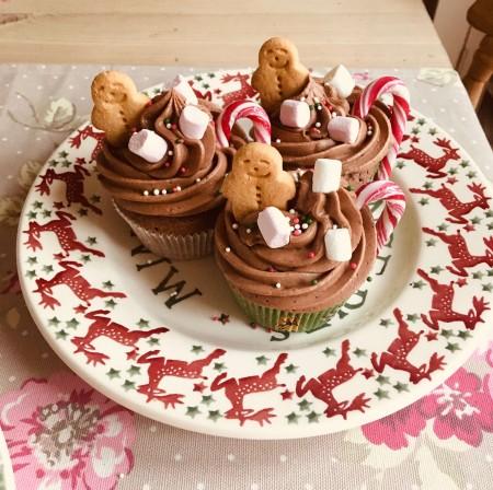 Christmas gingerbread cupcakes