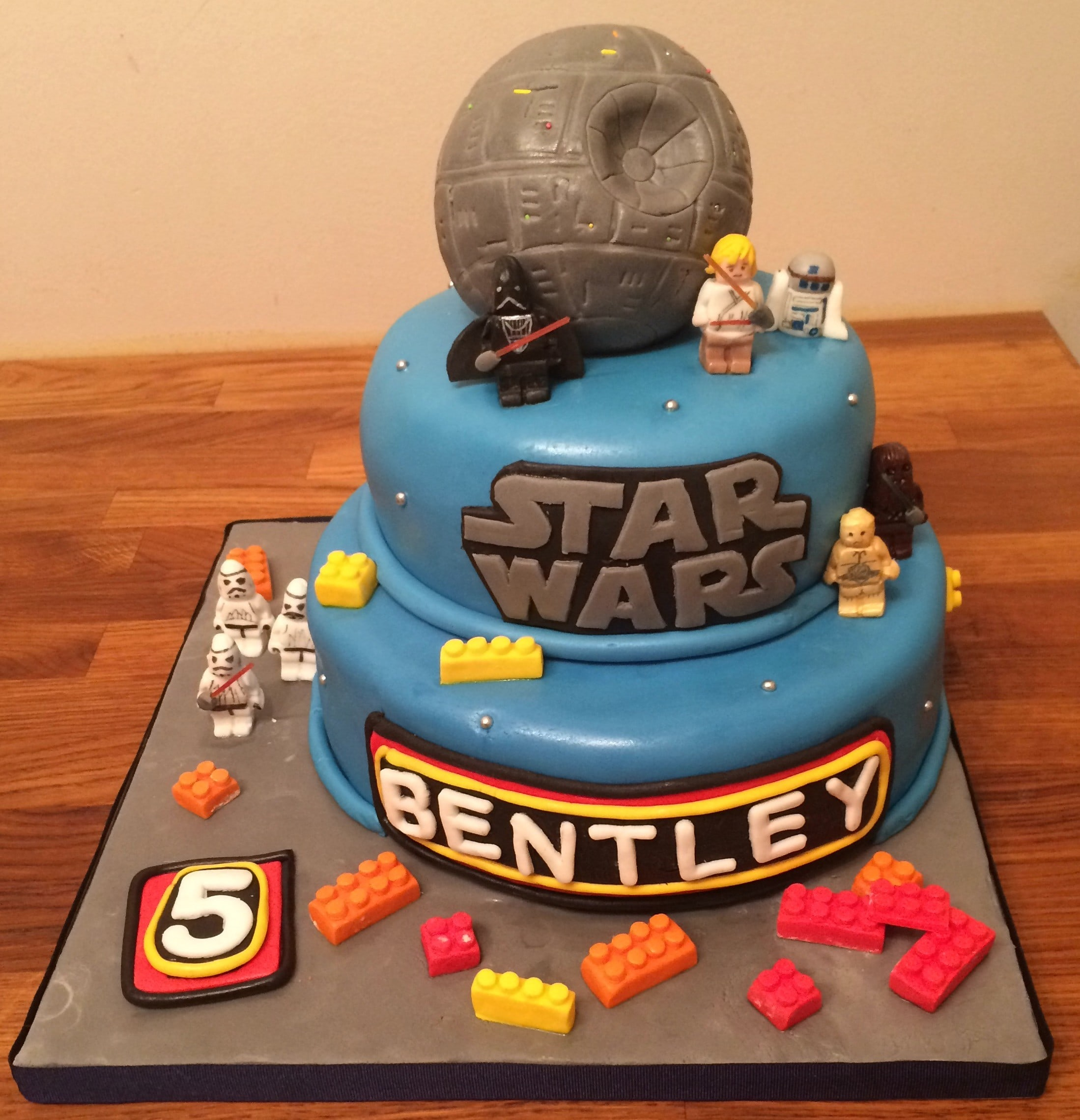Click to order the starwars cake