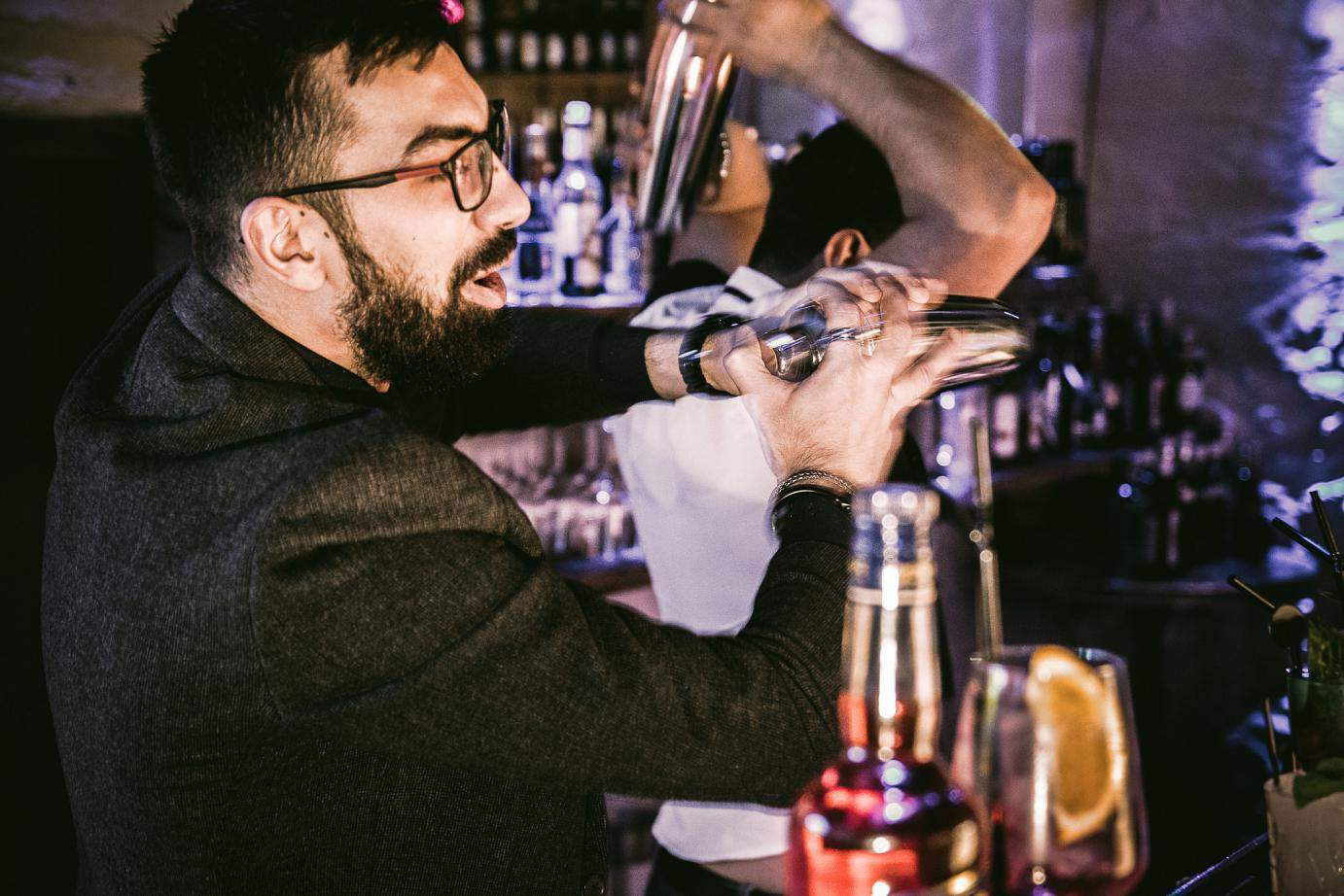 Cocktail Shaker in action