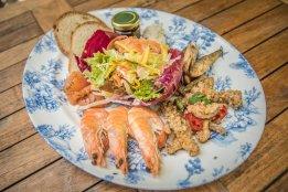 Prawn and seafood dish
