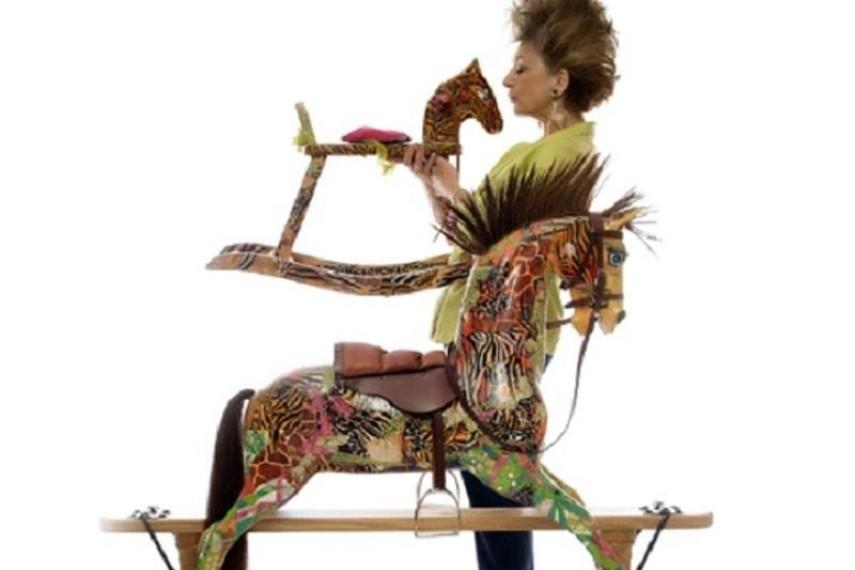 maureen-lipman-horse-3-min