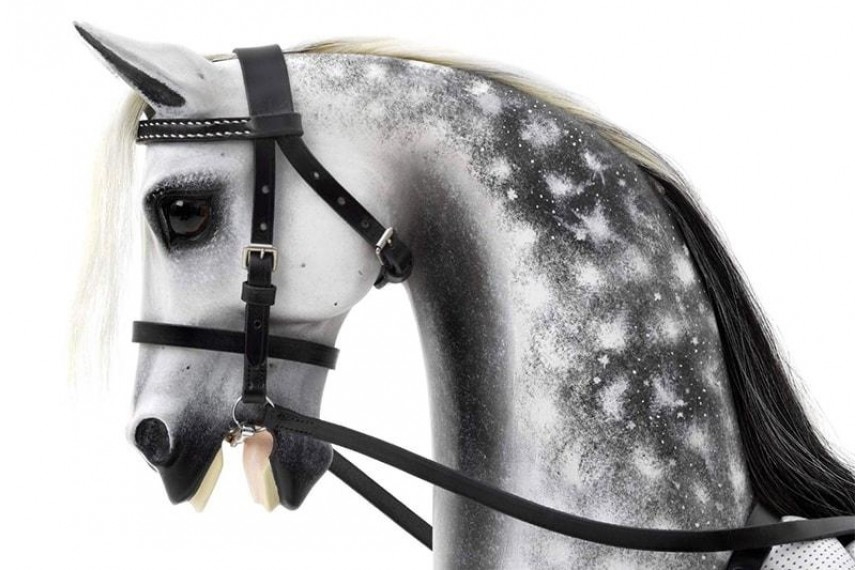 steel-grey-rocking-horse-02-min