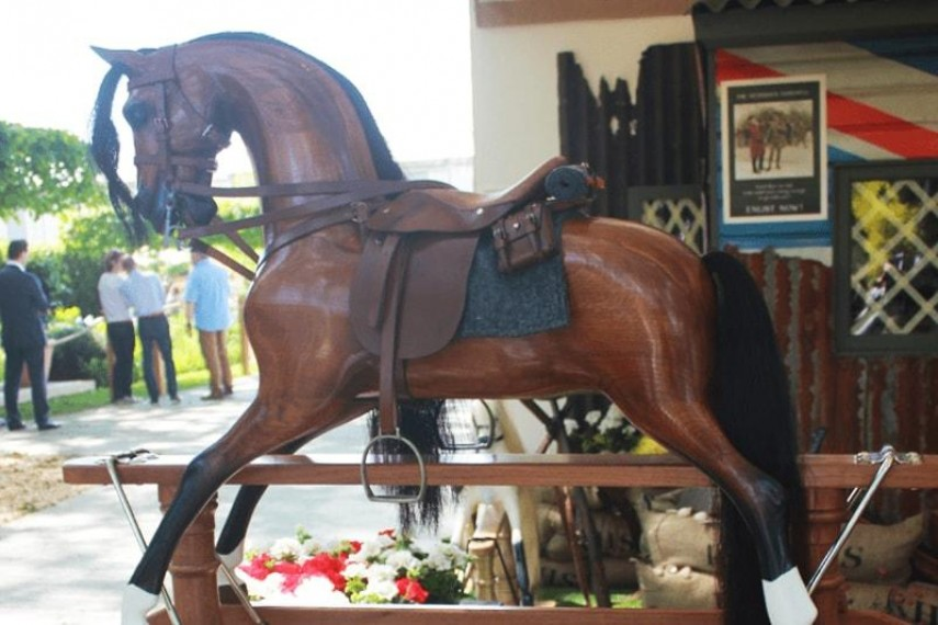 war-horse-03-min