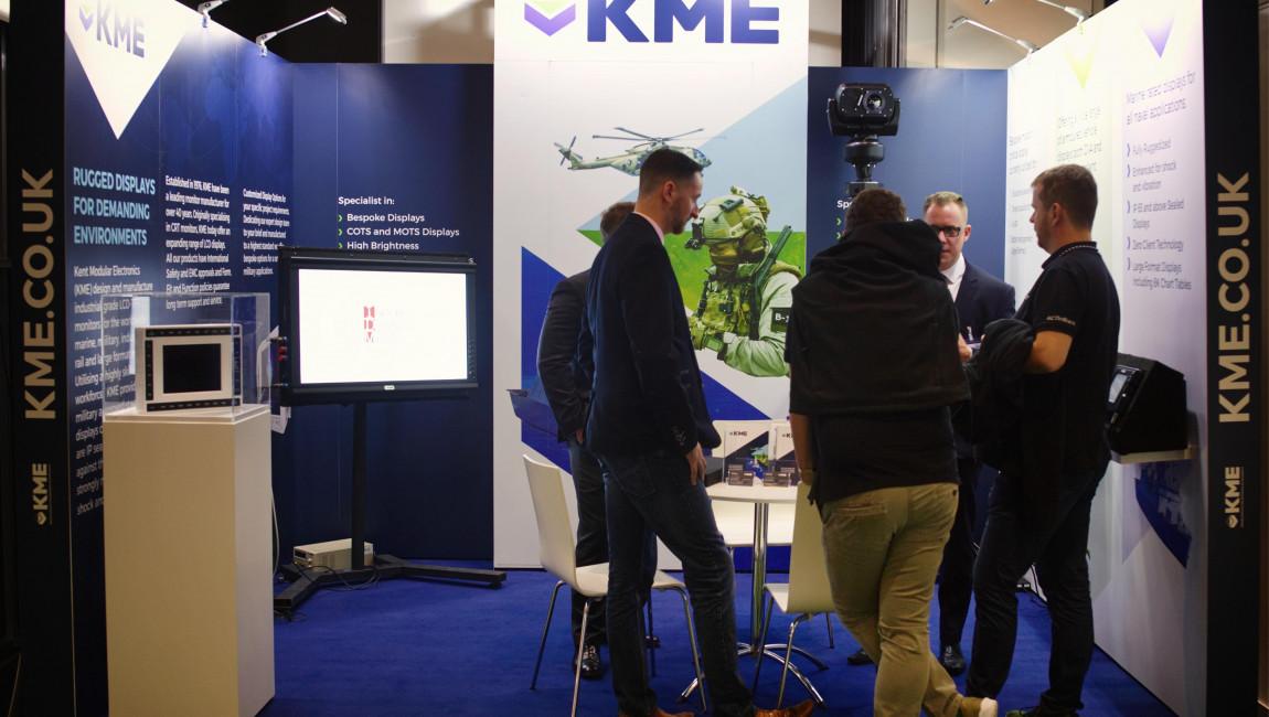 kme-stand-1-