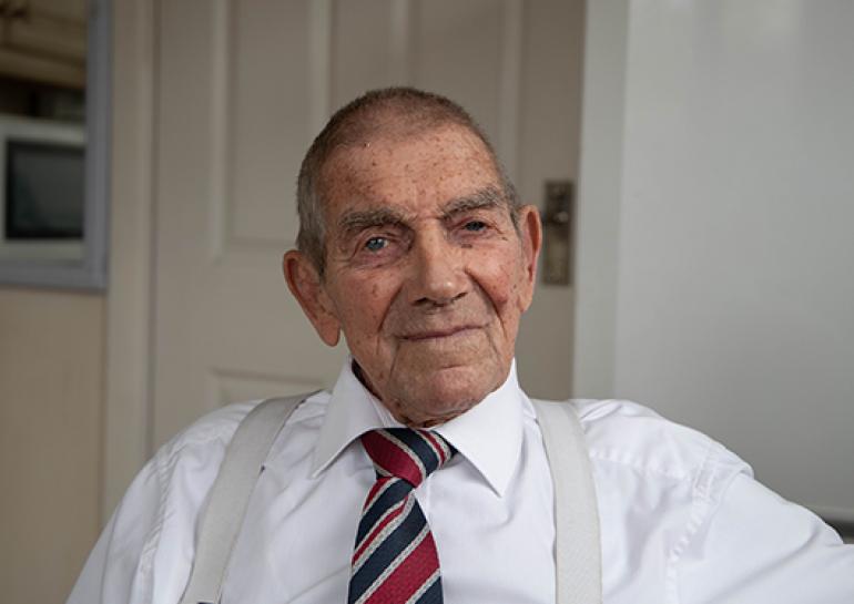 blind_veterans_uk_eddie-gaines-with-csw_-lorraine-smith-photoshoot-_2019_18_03_2019